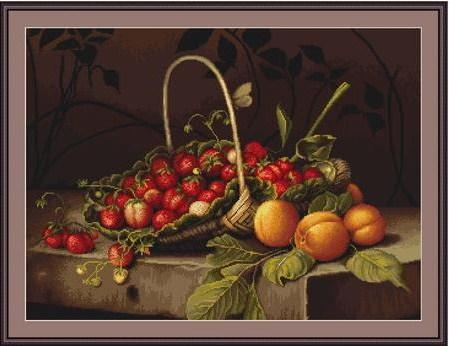 Cesta de fresas y melocotones